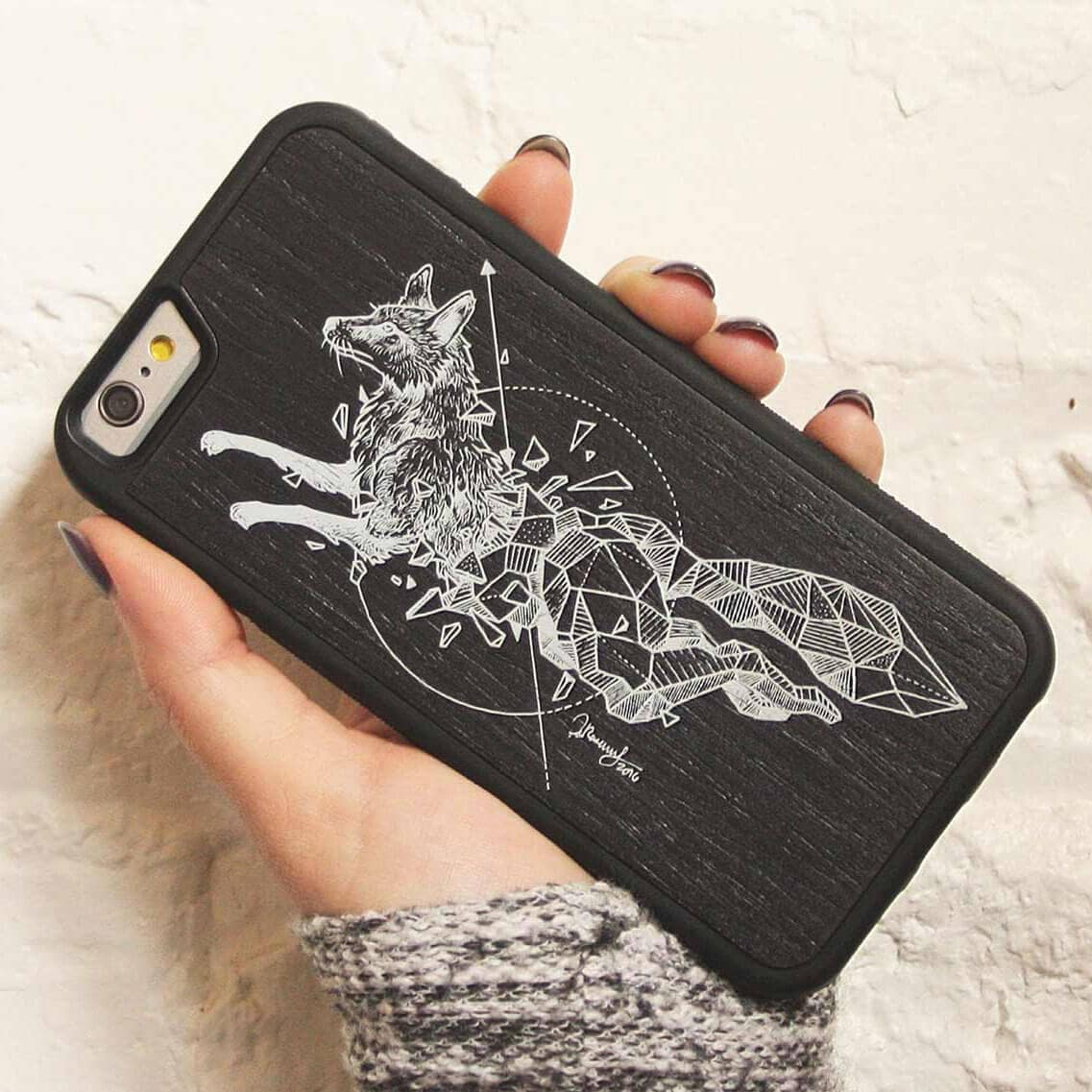 fox-wooden-phone-case