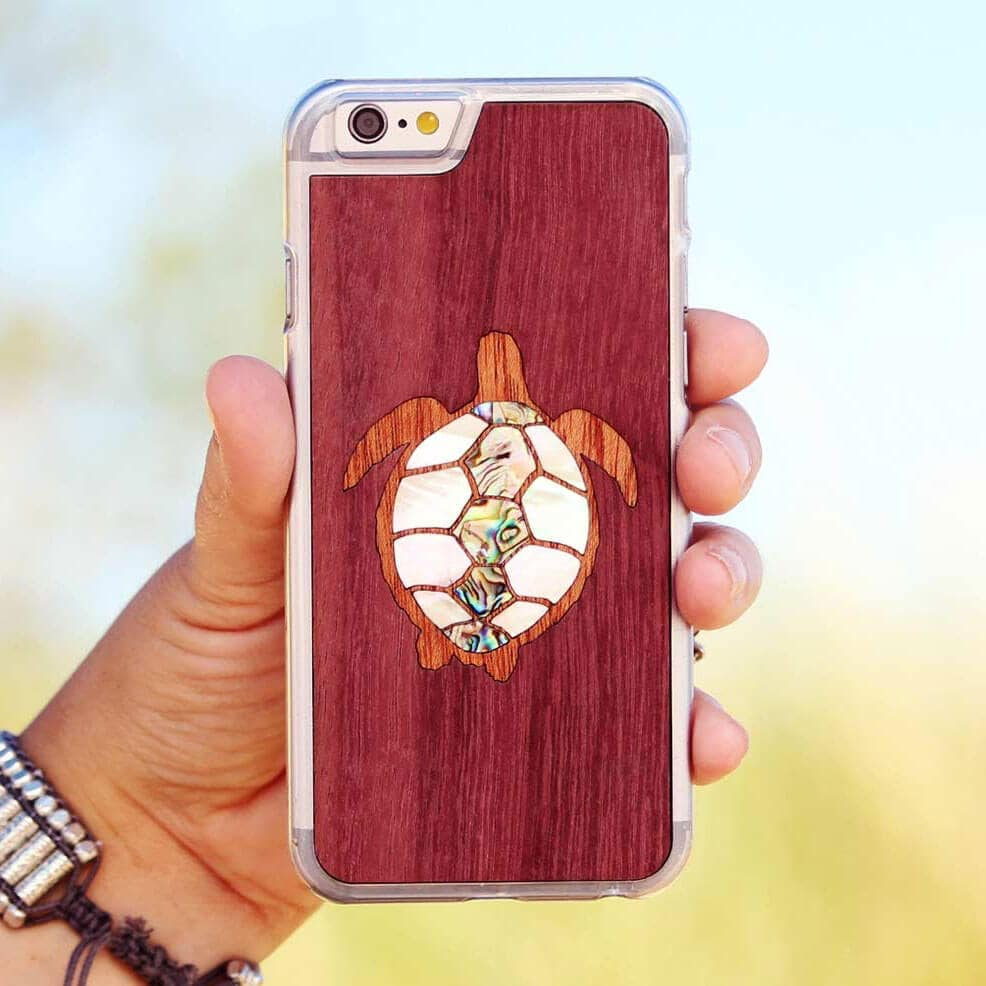 turtle-wooden-phone-case